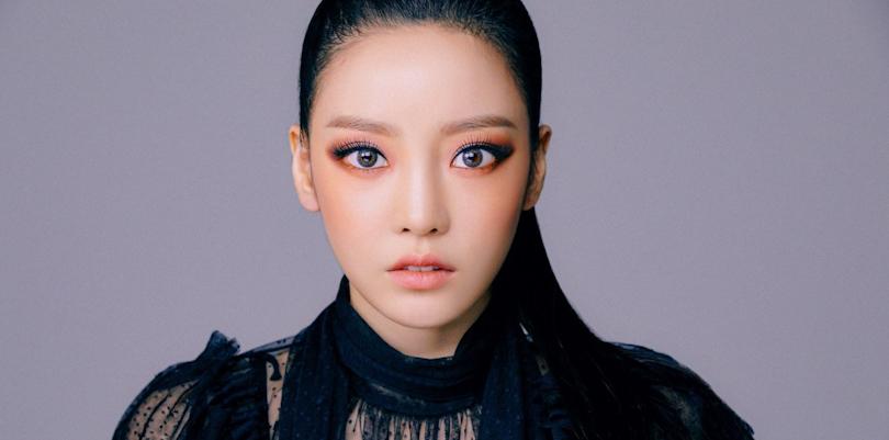 """Goo Hara ressuscita a sonoridade do KARA em seu comeback com """"MidnightQueen"""""""