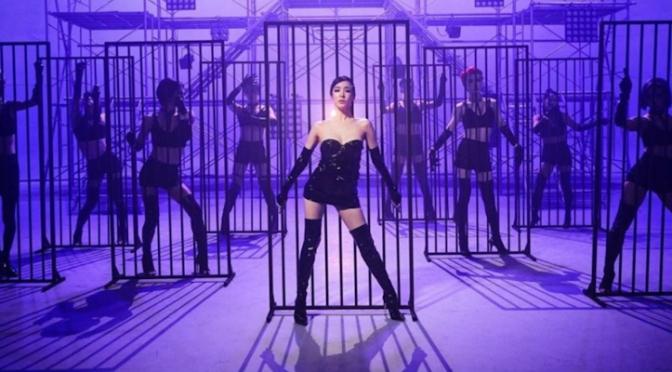 """Tiffany Young segue servindo gay anthems nos Estados Unidos com """"Run For Your Life"""""""