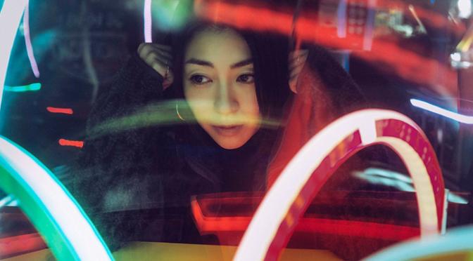 """Utada Hikaru segue dando uma carreira para Evangelion com """"One Last Kiss"""""""