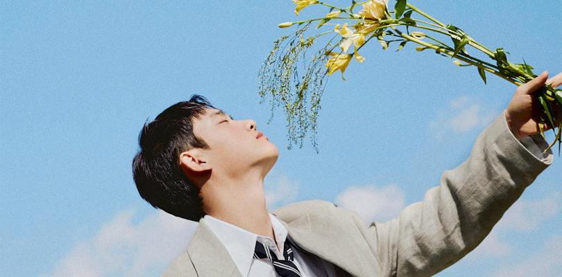 Outro integrante do EXO debuta solo com outra música desinteressante noK-pop
